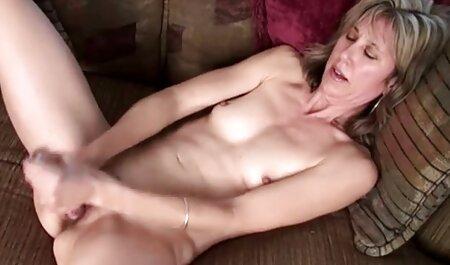 Die kostenfreier pornofilm süße Studentin Veronica Snow bläst einen alten Kerl